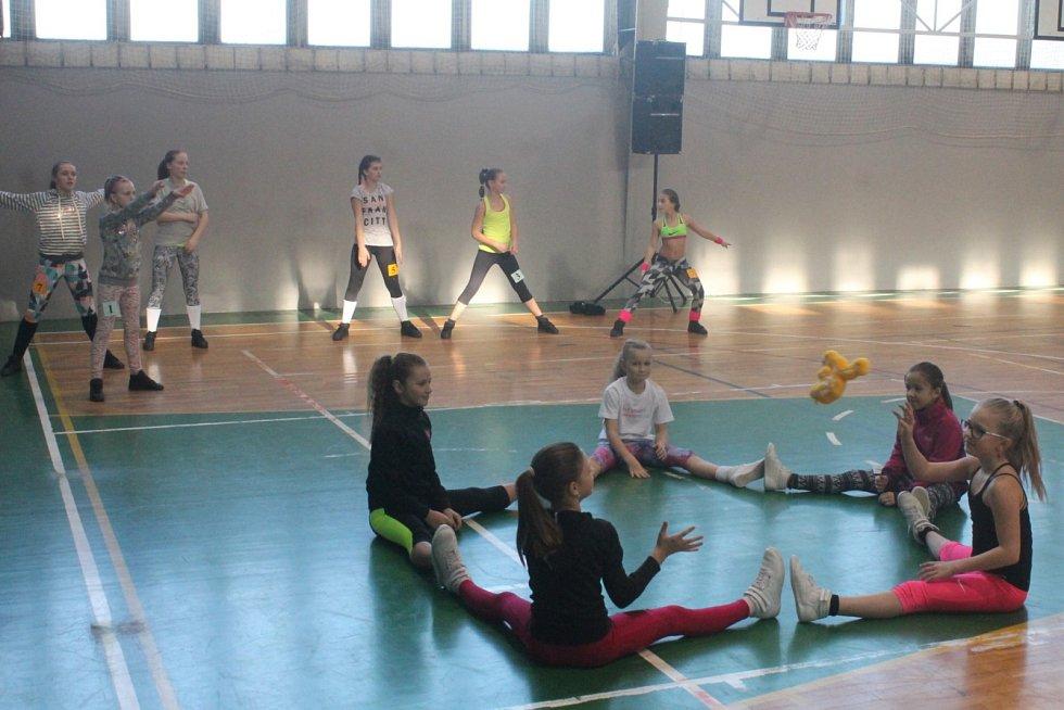 Blanenští pořádali ve sportovní hale ASK Blansko soutěž Aerobik mladých. Už po jednadvacáté.