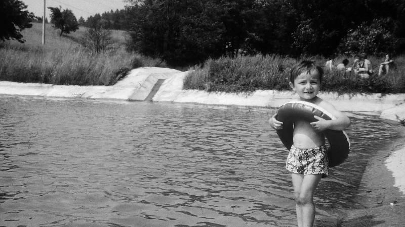 Rybník Na Lopatě si oblíbily maminky s dětmi.