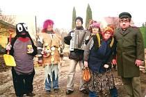 Masky každoročně obchází obce na Blanensku, tyto vloni vyrazily po Ostrově u Macochy.
