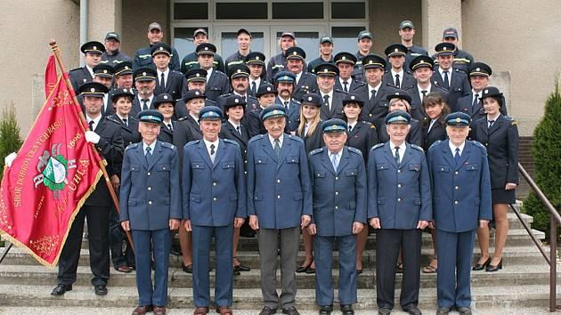 Členové SDH Okrouhlá.
