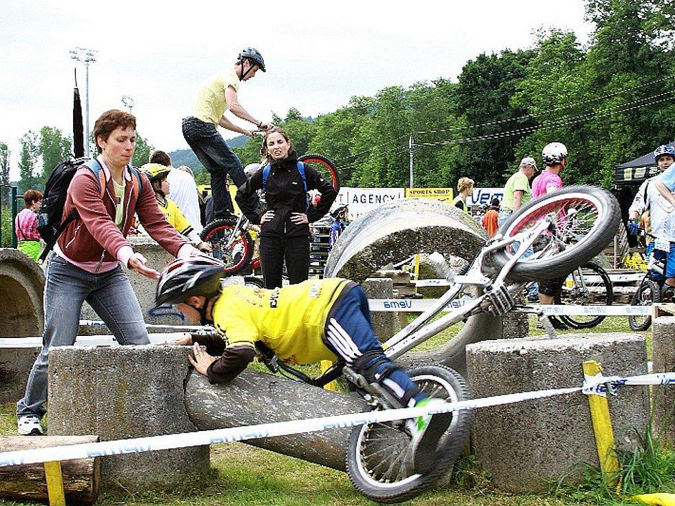 Mistrovství ČR v Biketrialu 2010. Areál trialparku Blansko.