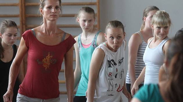 Letní semináře tance mají v areálu Vyšší odborné školy ekonomické a zdravotnické v boskovické Hybešově ulici dlouholetou tradici.