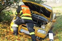 Dvě podobné nehody se staly v neděli odpoledne v rozmezí půl hodiny. Jedna u obce Vážany na Boskovicku (na snímcích) a druhá mezi Blanskem a Těchovem v lokalitě Žižlavice.