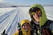 Markéta Marvanová a Adam Záviška letos jako první zdolali extrémní výzvu Lapland Extreme Challenge.