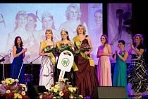 Lucie Odehnalová (vlevo) z blanenské nemocnice v soutěži zdravotních sester získala třetí místo.