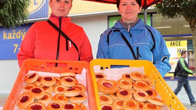 Osm set koláčů. Pět set do Blanska a tři sta do Boskovic. Kdo si koupil koláč, přispěl na domácí hospicovou péči.