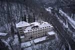 Bývalá léčebna dlouhodobě nemocných v Bílovicích nad Svitavou z ptačí perspektivy.