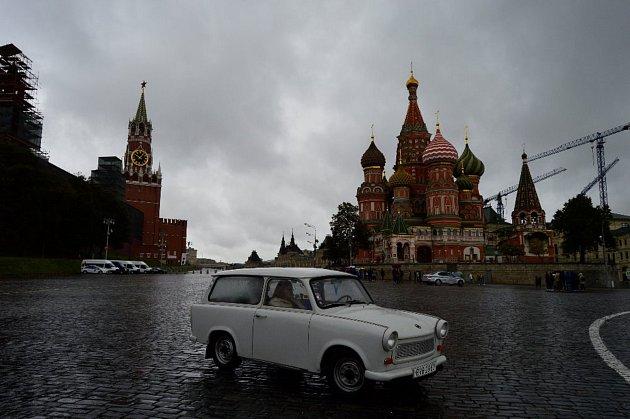 Michal Doležal z Adamova vyrazil do Moskvy. S trabantem