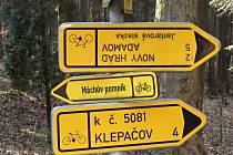 Za opravu poničených značek zaplatí silničáři na Blanensku desítky tisíc korun ročně. Nejčastěji řeší počmárané značky od sprejerů.
