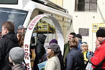 Lidé z Blanenska zahájili turistickou sezonu aprílovým výšlapem. V jeho cíli trhli rekord v počtu lidí, kteří mají o kolečko víc. Turisté se vydali do černohorského pivovaru trasami z Blanska či Boskovic.