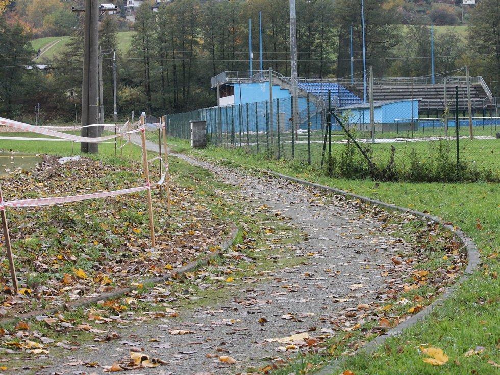 Okolí baseballového stadionu v Blansku je pro bruslaře in. Tamní cyklostezku nově propojí asfaltová cesta. Vznikne tak okruh.