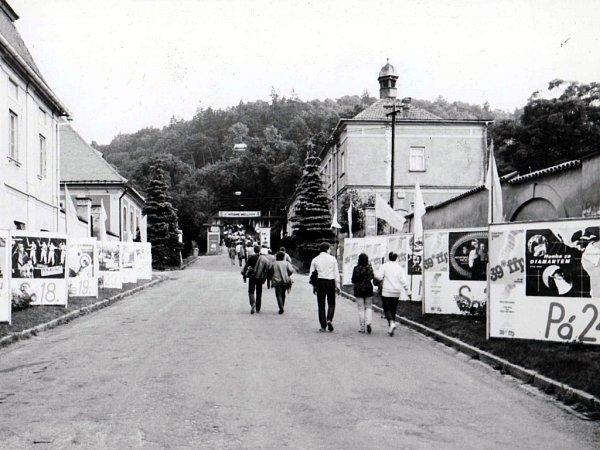 Na Filmový festival pracujících do Boskovic jezdilo na třicet tisíc diváků zširokého okolí. Kapacita letního kina často nestačila. Celé město bylo vyzdobené.