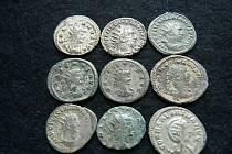 Šperky, ostruha, mince nebo kamenná sekera. Muzeum regionu Boskovicka představilo nálezy z loňského roku.