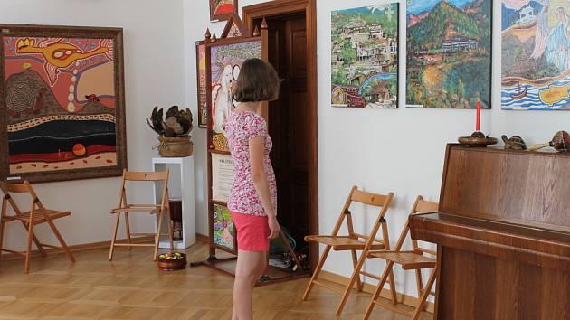 Na výstavu obrazů malíře Václava Ježka zvou v Muzeu Boskovicka. Výstava nese název Kouzlo Austrálie.