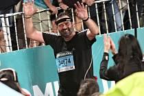 Milan Daněk, Alena Žákovská a Daniel Orálek běželi v Jihoafrické republice nejstarší ultramaraton na světě. Comrades Marathon.