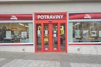 Nakupující čeká na Masarykově náměstí v Boskovicích změna. Prodejna Potraviny CBA (na snímku) bude ve druhé polovině ledna uzavřená.