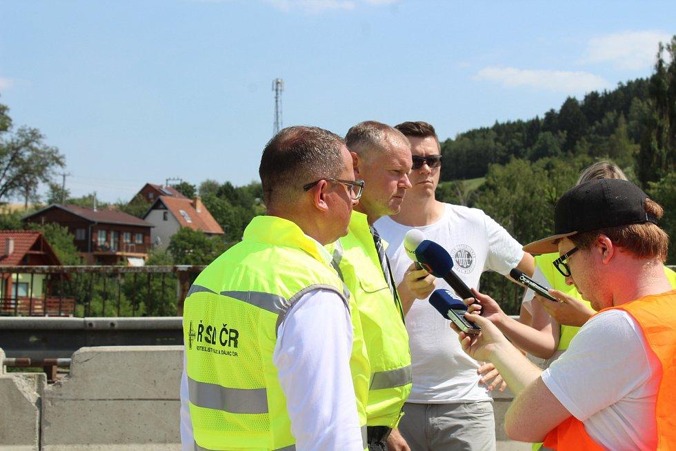 Opravovaný most na silnici I/43. Řidiči budou muset přes Černou Horu.