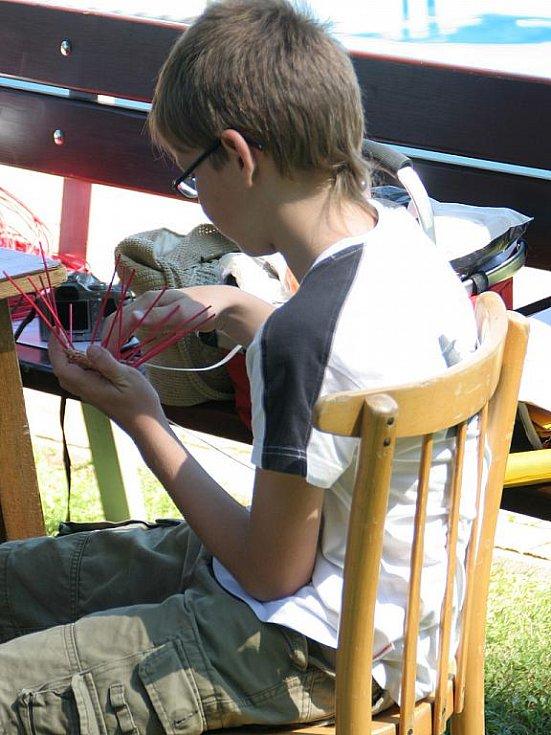 Festival 3 +1 v Letovicích lidem nabízí spojení neziskovek, hudby a rozmanitých dílniček. Letos se konal už po dvanácté.