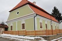 Barokní fara v Černovicích prošla kompletní rekonstrukcí.