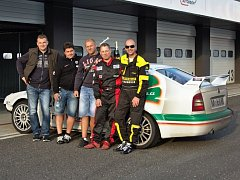 Tým Full Motorsport Brno s posádkou z Blanenska má za sebou úspěšnou sezonu v amatérských závodech Makpak Endurance 2016.