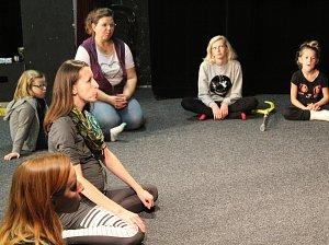 Mámo! Táto! Zpívejme si. Divadlo Kolárka rozezněly hlasy dětí i dospělých
