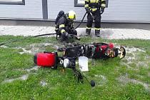 V boskovické prodejně hořela elektrokoloběžka.
