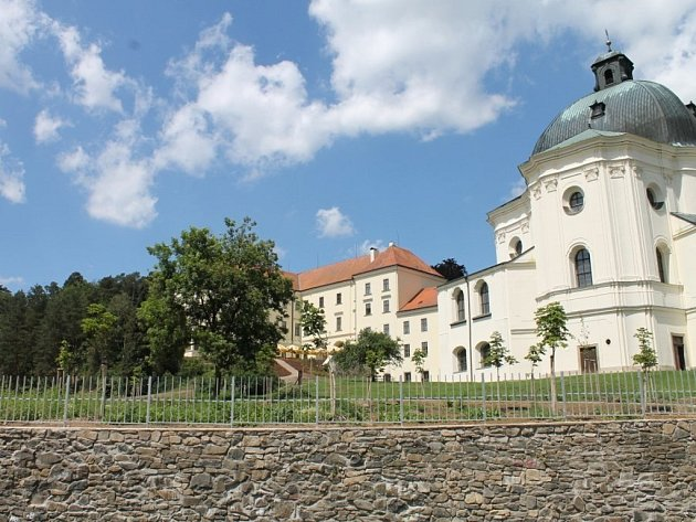 Křtinští plánují okolí Chrámu Jména Panny Marie opravit.