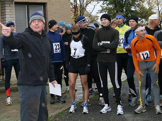 Po deseti letech obnovili Rudičtí tradiční běžecký závod Kolem Klostermannovy studánky. Z vítězství se v sobotu na desetikilometrové terénní trati radoval Petr Šimek v dresu Žižkovsých Tygrů. Mezi ženami doběhla jako první Zdeňka Komárková z Olešnice.