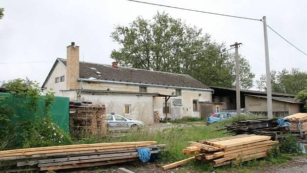 Zloděj vykradl dílnu v Rudici. Škoda je přes 150 tisíc.