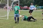 Hyundai Cup starších pánů nabídl spousty gólů. Ve Vilémovicích hrály malou kopanou i ženy.
