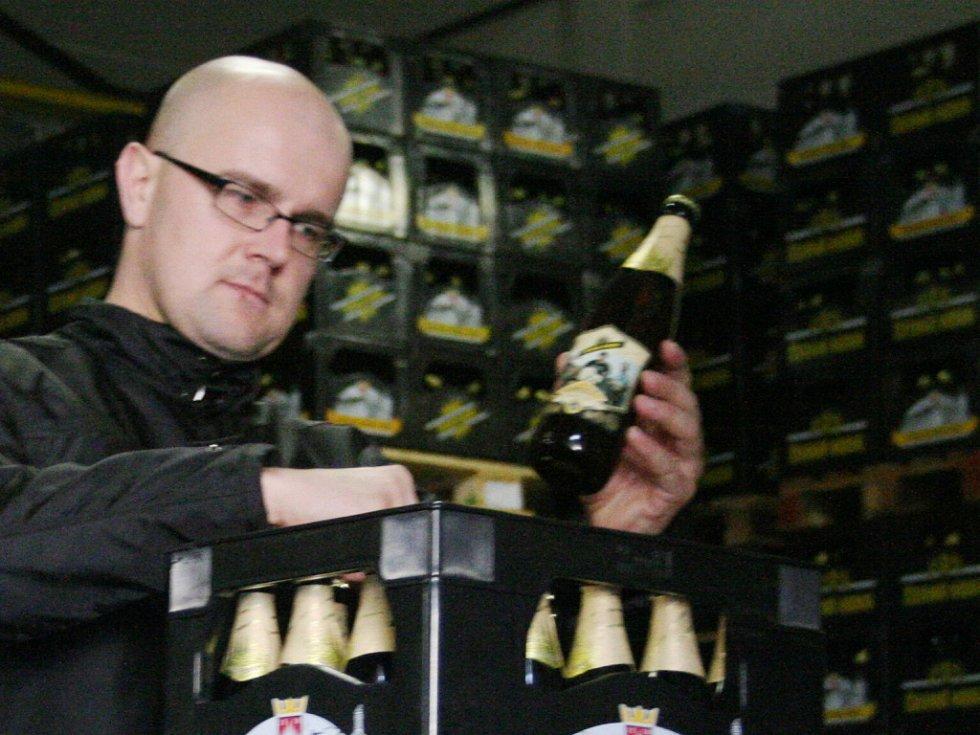 Pivní novinku s názvem Kamelot začal od pondělí prodávat černohorský pivovar. Jedná se o dvanáctistupňové pivo.