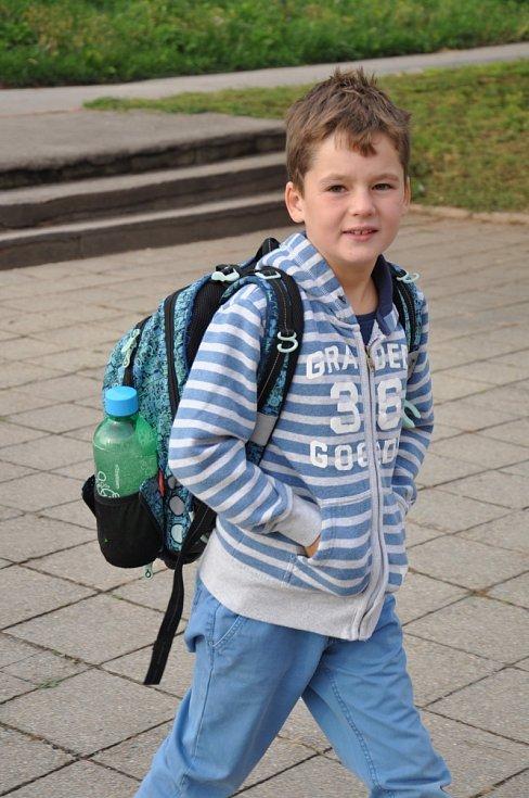 Žákům a studentům začal nový školní rok.