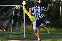 Fotbalisté se sešli na prvním srazu výběru Blanenska v malé kopané na hřišti v Kozárově. Sehráli zápas na třikrát dvacet minut.