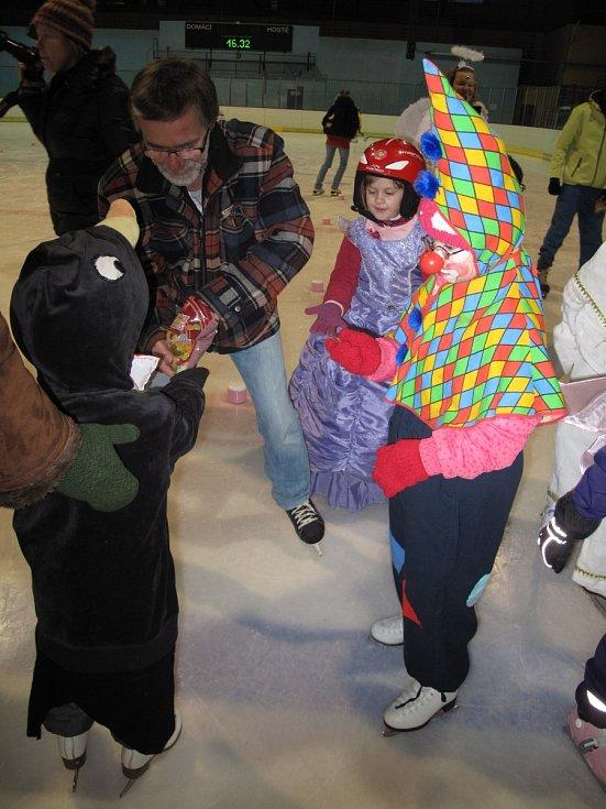 Blanenský Dům dětí a mládeže Oblázek v sobotu uspořádal druhý ročník karnevalu na ledě.