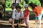 Děti si v zámeckém parku zahrály i hry, co znají jen z vyprávění.
