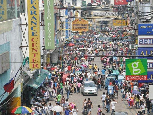 v ulicích Manilly