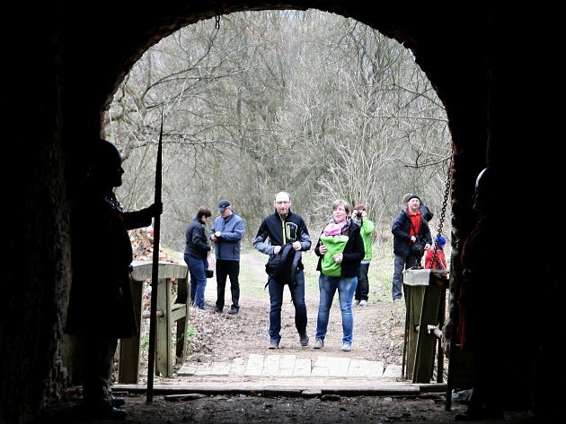 Nový hrad nedaleko Olomučan na Blanensku otevřel své brány. Turisty přilákal velikonoční jarmark.