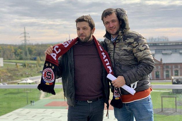 Režisér Tadeáš Daněk zBlanska (na snímku vpravo) se vdokumentárních snímcích věnuje itématům, která jsou obrazem dnešní doby.