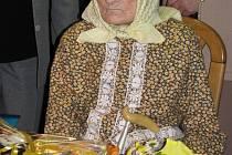 Nejstarší žena z Čejkovic, Magdalena Veverková, slaví rovnou stovku.