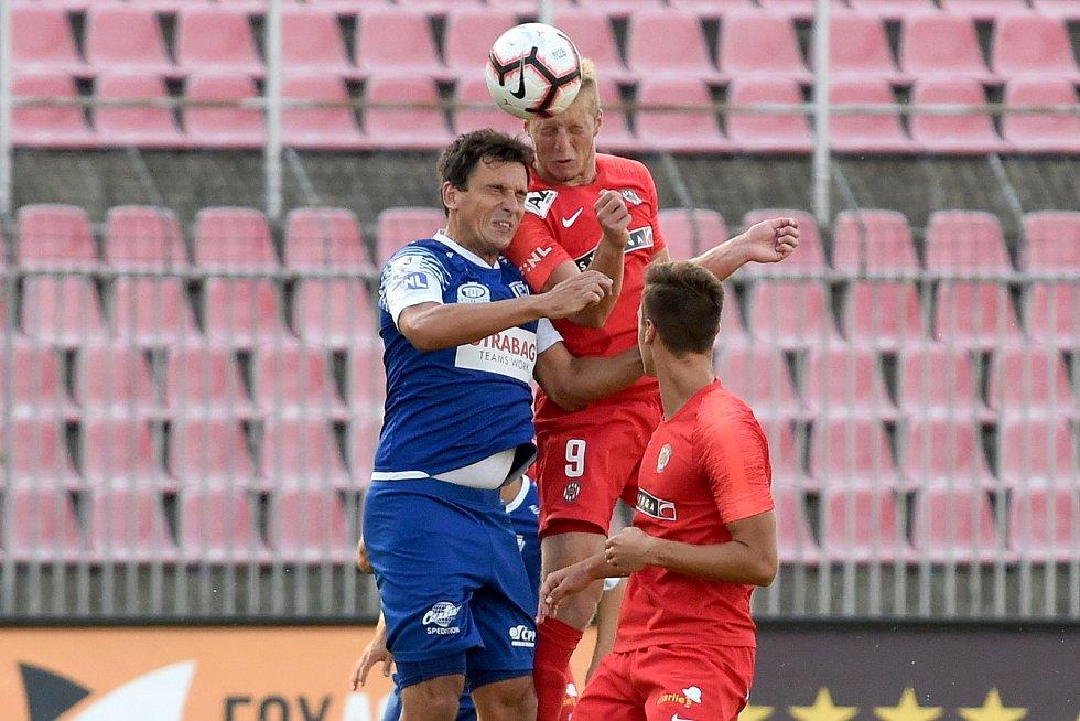 Brno 26.7.2019 - domácí FC Zbrojovka Brno v červeném (Marek Mach) proti FK Pardubice