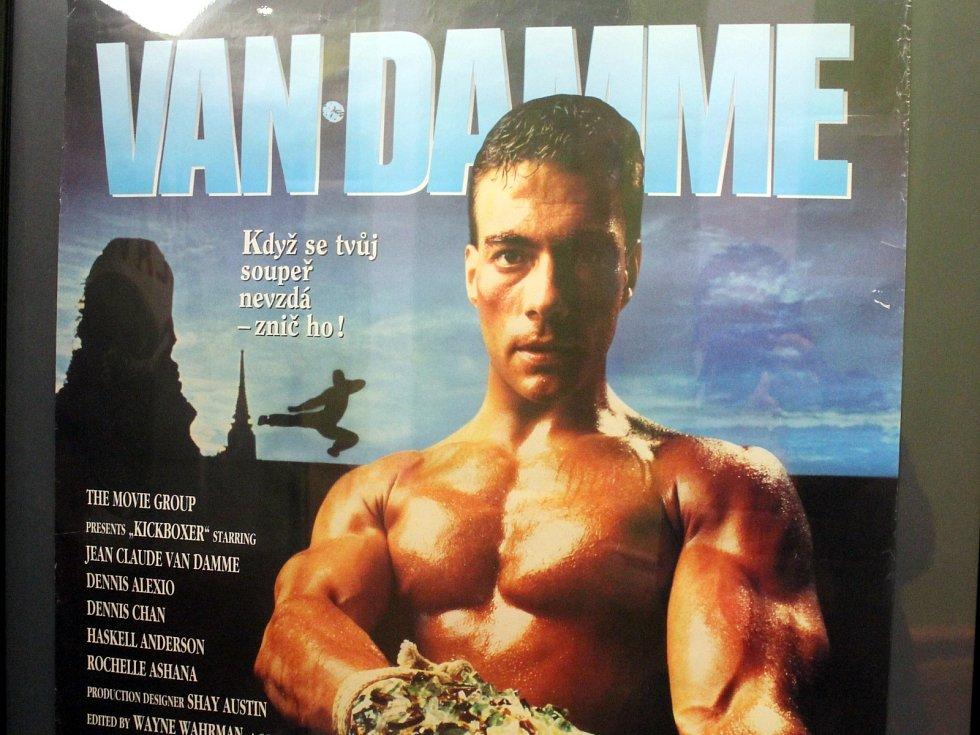 Do konce března si návštěvníci boskovického kina Panorama mohou prohlédnout výstavu filmových plakátů na akční filmy.