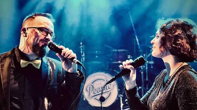 Kapela The People se zaměřuje na českou populární hudbu.