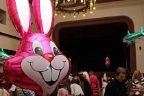 Boskovická sokolovna pravidelně hostí různé akce, například Velký dětský karneval (na snímku). Návrh jejího bezplatného převodu na město tento týden schválili radní. Když jej posvětí i zastupitelé, stane se majetkem města od ledna příštího roku.