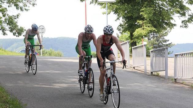 Tradičního Blanenského plecháče se zúčastnilo 79 triatlonistů.