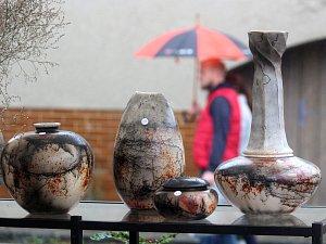 Pětadvacátý svátek keramiků v Kunštátu pokazil déšť