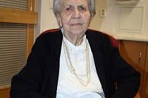 Růžena Švandová, která bydlí v blanenském Senior centru, v pátek oslavila sté narozeniny.