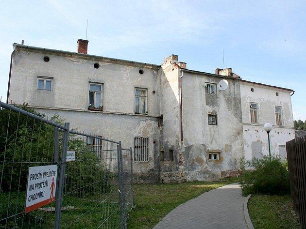 Budova staré školy v Kunštátě.
