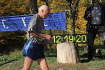 Nahoru a dolů. Náročný profil Hořické rokle nabídl něco jiného než většina závodů běžecké ligy.