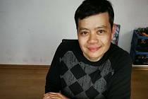 Hoang Minh Ha z Letovic šil v první vlně epidemie koronaviru roušky. Vyrobil jich s pomocí rodiny kolem tisícovky a nezištně je rozdal potřebným.