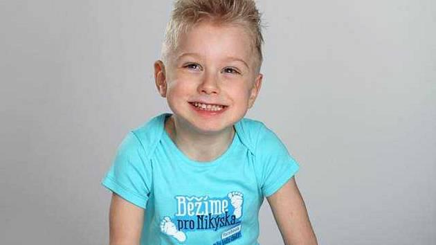 V sobotu se v Boskovicích koná charitativní akce Běžíme pro Nikýska. Výtěžek věnují pořadatelé chlapci postiženému mozkovou obrnou.